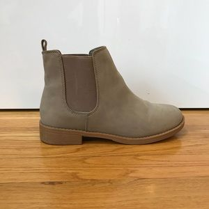 H&M Tan ankle Boots